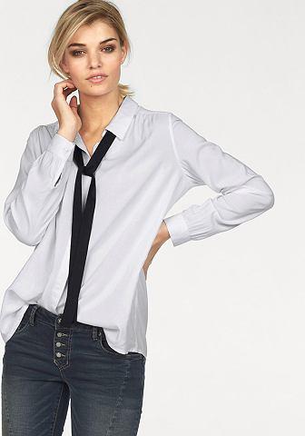laura-scott-megkoetos-bluz