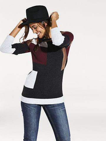 pulovr-s-kulatym-vystrihem