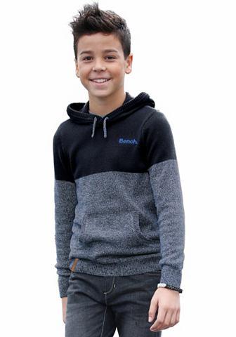 bench-kapucnis-pulover
