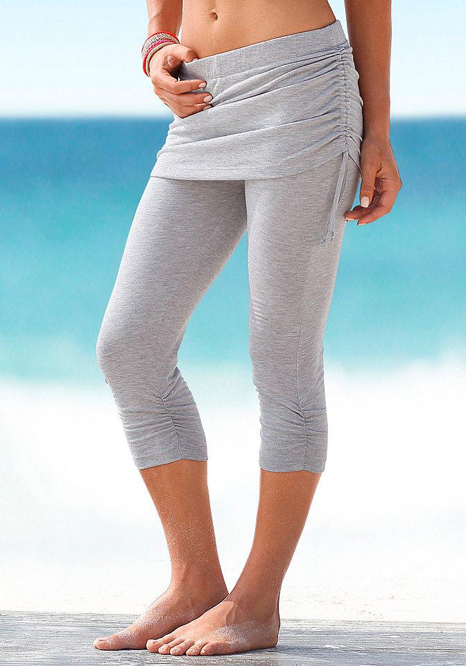 Брюки капри для пляжа, Venice Beach, OttoБрюки и шорты<br>С эффектной нижней частью. Модель в индивидуальном стиле благодаря варьированию длины нижней части с помощью завязок ? её можно присобрать или распрямить. Длина по внутреннему шву ок. 42 см. Из 95 % вискозы, 5 % эластана.<br><br>Size DE: 44<br>Colour: серый<br>Gender: Женский<br>Age: Взрослый<br>Material: Верх: 62% полиэстер / 33% вискоза / 5% эластан