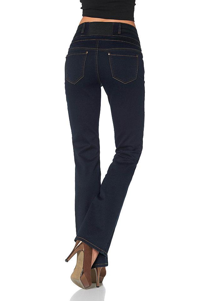 Arizona, джинсы покроя Bootcut OttoПокрой Bootcut<br>Покрой с высокой линией талии: высокая, комфортная посадка и эластичная вставка сзади на поясе. Покрой идеально подчёркивает женственность фигуры. С 5 карманами. Нижний край брюк покрой Bootcut. Великолепная посадка по фигуре благодаря дениму стретч. Тип изделия: Джинсы покроя Bootcut. Покрой брюк: Bootcut. Покрой: Узкий покрой. Пояс + застёжка: пуговица. Нижний край: С отстрочкой. Посадка: Удобный покрой. Длина брючин: Длинная модель. Стиль: Базовая модель. Отделка: Ровная расцветка. Количество карманов: 5. Передние карманы: Круглые втачные карманы, карман для мелочи. Задние карманы: С накладными карманами. Длина шлёвок для ремня: 6 см. Длина по внутреннему шву для Н-размера: Для разм. 38 – ок. 83,5 см. Длина по внутреннему шву для М-размера: Для разм. 19 – ок. 78,5 см. Длина по внутреннему шву для Б-размера: Для разм. 76 – ок. 90,5 см. Поставка: В горизонтальном положении. Советы по уходу: Машинная стирка. Качество материала: Благоприятный для кожи материал прошёл проверку на предмет отсутствия вредных веществ. Материал: Джинсы. «Cotton made in Africa» («Африканский хлопок»): Приобретая это изделие, Вы поддерживаете стабильное производство африканского хлопка. Внутренняя подкладка: Хлопок. Состав материала: Лицевой материал: 79 % хлопка, 19 % полиэстера, 2 % эластана.<br><br>Size DE: 34<br>Colour: синий<br>Gender: Женский<br>Age: Взрослый<br>Material: Верх: 71% хлопок / 27% полиэстер / 2% эластан