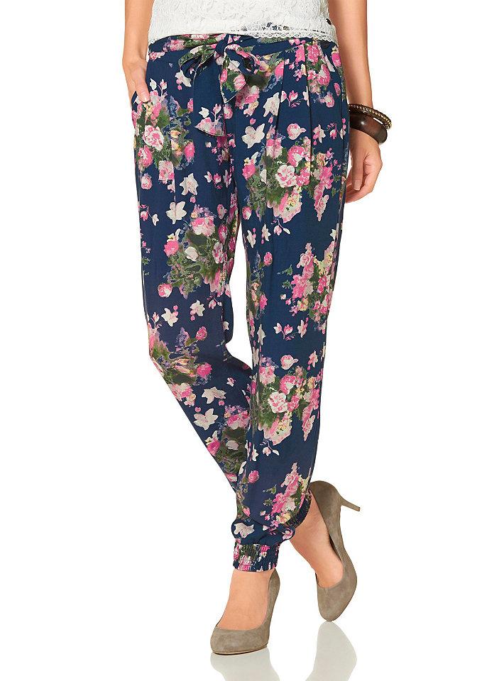 Брюки-гаре OttoУличная одежда<br>Модель со сплошным цветочным принтом. Широкий пояс на талии с бантом, небольшие складки, карманы спереди, резинка по краям штанин. Легкий материал. Посадка: низкая. Пояс: эластичная манжета. Покрой: широкий. Тип застежки: резинка.<br><br>Size DE: 32<br>Colour: синий<br>Gender: Женский<br>Age: Взрослый<br>Material: Верх: 100% вискоза
