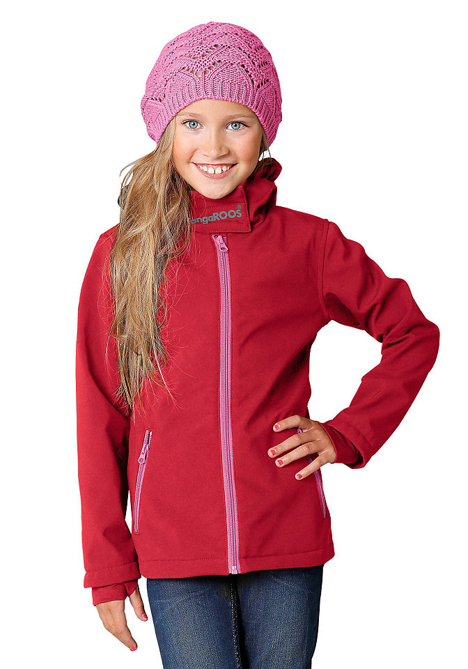 Куртка из софтшелла с капюшоном от Kangaroos, для девочек OttoКуртки и пальто<br>Куртка из софтшелла с капюшоном от Kangaroos, для девочек. Подкладка и застёжки на молнию контрастного цвета. На капюшоне широкая застёжка со светоотражающим рисунком в виде логотипа KangaROOS. 2 кармана на молнии спереди. Узкая окантовка рукавов с практичными отверстиями для большого пальца. Оптимальная посадка и свобода движений благодаря эластичному материалу. Материал защищает от ветра и влаги. Практичный капюшон не сползает. Приталенный покрой, длиной до бёдер. 95 % полиэстера, 5 % эластана. Цвет: однотонный. Материал: Софтшелл. Состав: 95 % полиэстера, 5 % эластана. Посадка по фигуре: Длиной до бёдер. Воротник: Модный высокий воротник. Стиль рукавов: длинная модель. Окантовка: да. Капюшон: да. Прочее: Рисунок на груди. Советы по уходу: Машинная стирка.<br><br>Size DE: 152<br>Colour: красный<br>Age: Детский<br>Material: Kontraststoff: 100% полиэстер;Верх: 100% полиэстер
