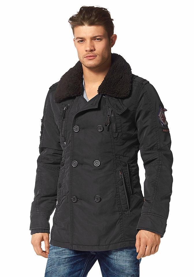 Куртка Jags OttoКуртки<br>Эффектная куртка в стиле милитари Jags от Khujo. Выполненная из теплого мягкого материала, она не только защитит вас от холода, но и поможет создать особый стиль мужественной романтики. Куртка имеет элементы, напоминающий военную форму — стильные нашивки на рукаве, воротник с отстегивающимся плюшем. Воротник можно застегивать ремешком и носить в поднятом виде, как стойку. Двубортный фасон куртки подчеркнет фигуру и придает подтянутый вид. Модель имеет удобные боковые карманы, застегивающиеся на молнию и кнопку, и небольшой кармашек на рукаве. Нижняя часть рукава защищена от ветра эластичной резинкой в рубчик. Куртка Jags от Khujo предлагает массу вариантов для комбинирования и создания новых образов. Дина куртки при размере М около 81 см.<br><br>Size DE: S<br>Colour: коричневый<br>Gender: Мужской<br>Age: Взрослый<br>Material: Подбивка: 100% полиэстер;Отделка: 97% полиэстер / 3% эластан;Подкладка: 50% нейлон / 50% полиэстер;Верх: 100% нейлон