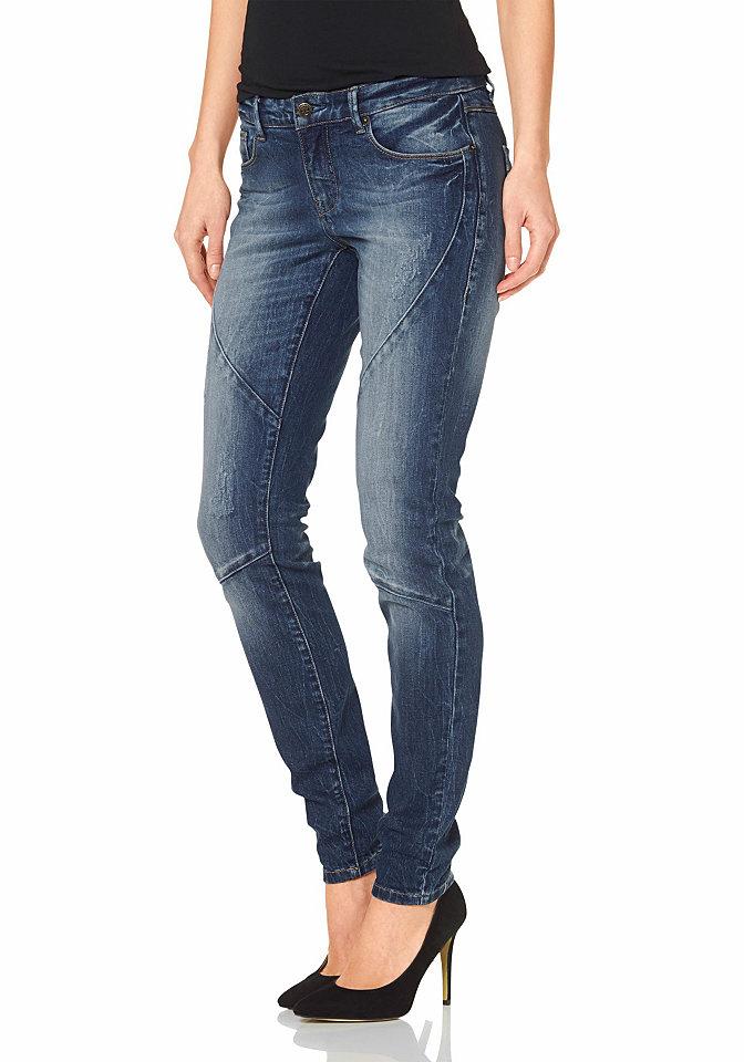 Джинсы OttoДжинсы «дудочки»<br>Женские джинсы скинни - маст-хэв для каждой модницы! Узкие брюки из денима, декорированные потертостями и затейливой прострочкой, зрительно делают фигуру более стройной. Притачной пояс со шлевками немного занижен. Спереди втачные карманы и карман для мелочи, сзади накладные карманы. Застегиваются на молнию и пуговицу. Джинсы хорошо сочетаются как с футболками и кедами, так и с топами и туфлями на шпильке. Эти джинсы необходимо купить каждой! Длина по внутреннему шву ок. 79,5 см (размер 38).<br><br>Size DE: 42<br>Colour: синий<br>Gender: Женский<br>Age: Взрослый<br>Material: Верх: 98% хлопок / 2% эластан