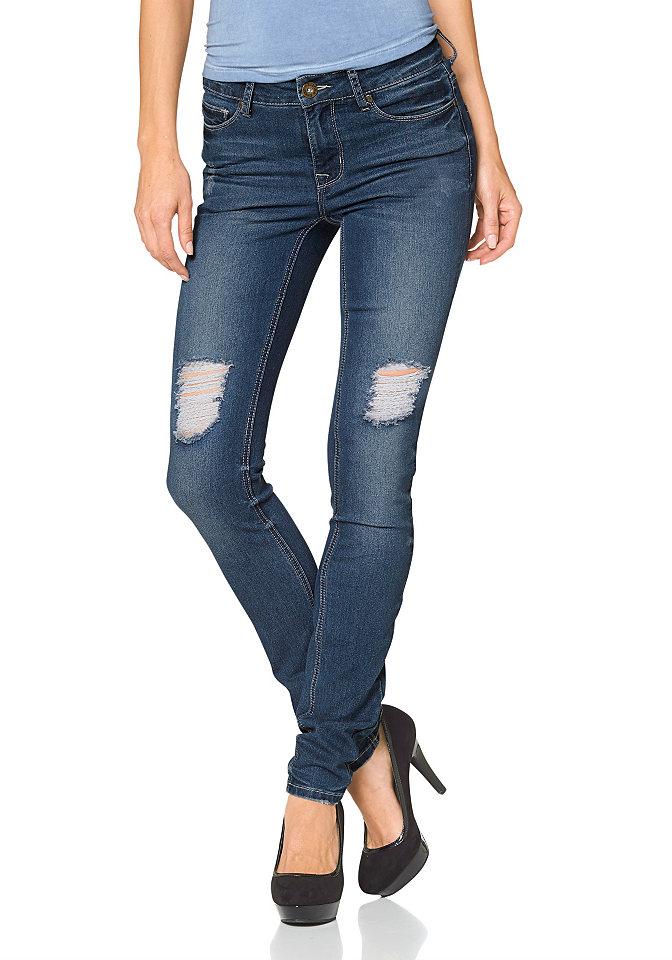 Джинсы OttoСтиль эффекты потёртости<br>Узкие дудочки стали основой коллекции для многих женщин, но, признавая их практичность и универсальность, иногда хочется разнообразия. Добавить изюминку вашему образу помогут джинсы скинни от марки Arizona, украшенные декоративными рваными эффектами. В остальном модель вполне классическая: есть 5 карманов, лейбл и петли на поясе, застежка на молнию и пуговицу. Материал стрейч не сковывает движения. Джинсы легко сочетаются с топами и объемными свитерами. Длина брючин по внутреннему шву размера 19 ок. 74,5 см, размера 76 ок. 86,5 см.<br><br>Size DE: 42<br>Colour: синий<br>Gender: Женский<br>Age: Взрослый<br>Material: Верх: 79% хлопок / 19% полиэстер / 2% эластан