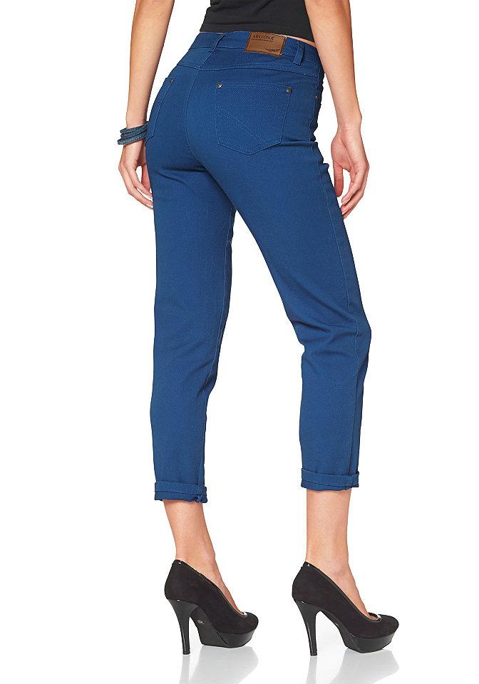Джинсы OttoДлина 7/8<br>Современной моднице никак не обойтись без стильных джинсов от Arizona, ведь они прекрасно комбинируются с любыми топами, блузками и пуловерами. Чуть укороченная длина позволяет привлечь внимание как к изящным ножкам, так и к экстравагантной обуви. Очень удобный покрой и материал стрейч обеспечивают свободу движений. 5 карманов, модная отстрочка и пришитый лейбл - неотъемлемые атрибуты джинсов. Длина брючин по внутреннему шву размера 38 ок. 65,5 см.<br><br>Size DE: 44<br>Colour: синий<br>Gender: Женский<br>Age: Взрослый<br>Material: Верх: 97% хлопок / 3% эластан