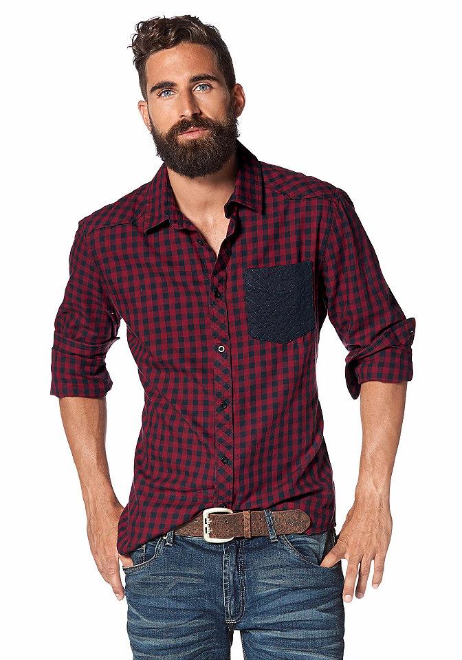 Рубашка OttoУличная одежда<br>Рубашка в клетку от марки John Devin - вечная классика мужского кэжуал-гардероба! Крупный однотонный нагрудный карман оттеняет пестроту рисунка. Длинные рукава с манжетами можно подвернуть. Благодаря закругленному низу вы сможете носить рубашку навыпуск. Натуральный хлопок создаст вам оптимальный комфорт, а прилегающий крой подчеркнет телосложение.<br><br>Size DE: XL<br>Colour: красный<br>Gender: Мужской<br>Age: Взрослый<br>Material: Вставка: 100% хлопок;Верх: 100% хлопок