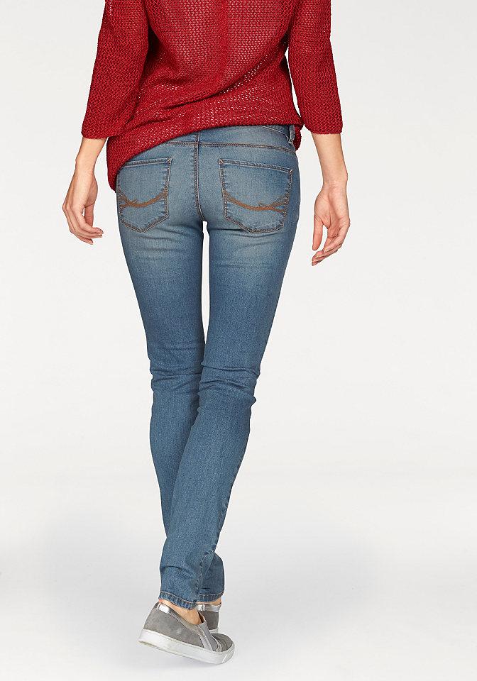 Джинсы-дудочки Алекса OttoДжинсы «дудочки»<br>Женские узкие джинсы Alexa от марки Tom Tailor - основа кэжуального гардероба. Стираный эффект денима, интересные складки, низкий пояс придают модели молодежный вид. 5 карманов (также среди них задние с вышивкой) отдают дань классической джинсовой моде. Модель имеет застежку на пуговицу и молнию. Стрейчевый хлопок прекрасно облегает фигуру. Длина по внутреннему шву примерно 80,5 см (разм. 28).<br><br>Size DE: 34<br>Colour: синий<br>Gender: Женский<br>Age: Взрослый<br>Material: Верх: 98% хлопок / 2% эластан