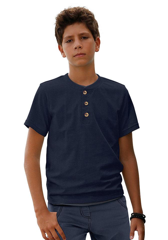 Футболка OttoФутболки и поло<br>Классика базовой моды в детском гардеробе: футболка от марки Kidsworld. Прямая модель с круглым вырезом, короткими рукавами и ложной застежкой на цветные пуговицы. Футболка выполнена из натурального хлопка - лучший вариант на каждый день. Ее можно носить с любыми брюками, шортами и комбинезонами - ваш мальчик всегда будет выглядеть очень аккуратно и модно. Материал: 100% хлопок.<br><br>Size DE: 116<br>Colour: синий<br>Age: Детский<br>Material: Верх: 100% хлопок