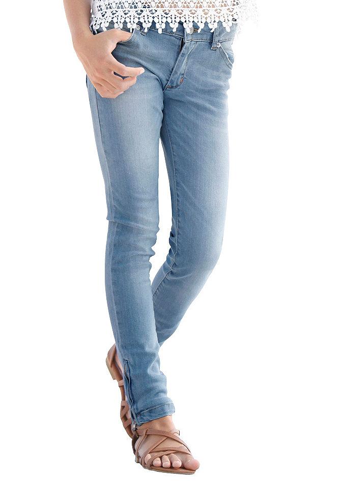 Джинсы с застёжками-молниями для девочек OttoБрюки и джинсы<br>Узкий покрой с 5 карманами. Застёжки-молнии по нижнему краю и модная расцветка. Пояс регулируется с внутренней стороны до размера 146, застёжка на кнопку – до размера 134. Деним-стретч из 98 % хлопка, 2 % эластана.<br><br>Size DE: 146<br>Colour: синий<br>Age: Детский<br>Material: Верх: 98% хлопок / 2% эластан