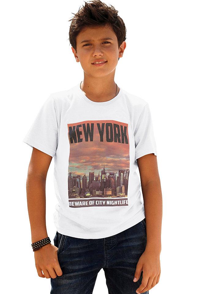 Футболка OttoФутболки и поло<br>Футболка от марки Arizona понравится каждому мальчику, ведь ее украшает изумительный фотопринт Нью-Йорк. Удобная модель с круглой горловиной и короткими рукавами легко впишется в повседневный гардероб. Футболка сделана из приятного джерси, выполненного из натурального хлопка - лучшее решение для детской одежды. Материал: 100% хлопок.<br><br>Size DE: 140<br>Colour: белый<br>Gender: Мужской<br>Age: Детский<br>Material: Верх: 100% хлопок