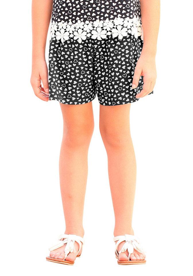 Шорты OttoБрюки и джинсы<br>Шорты от марки kidsworld сочетают в себе максимальное удобство и стильный внешний вид. Широкая модель выполнена из приятного хлопкового стрейча, который не раздражает кожу и обеспечивает свободу движений. А главным украшением лаконичной модели является нежный принт сердечками. Комфортный эластичный пояс слегка занижен. Материал: 95% хлопок, 5% эластан.<br><br>Size DE: 152<br>Colour: разноцветный<br>Age: Детский<br>Material: Верх: 95% хлопок / 5% эластан