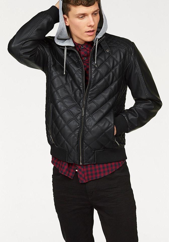 Куртка OttoКуртки<br>Мужская куртка John Devin - необходимая модель в кэжуал-стиле! Модный кожзаменитель с узором из стежков имеет напыление - для защиты от ветра. Молнии и отстегивающийся капюшон служат практичности. Узкая куртка будет хорошо смотреться с джинсами и любыми брюками. Длина размера М составляет примерно 67 см.<br><br>Size DE: S<br>Colour: черный<br>Gender: Мужской<br>Age: Взрослый<br>Material: Покрытие: 100% полиуретан;Подкладка: 100% полиэстер;Верх: 100% вискоза;Манжет: 100% полиэстер