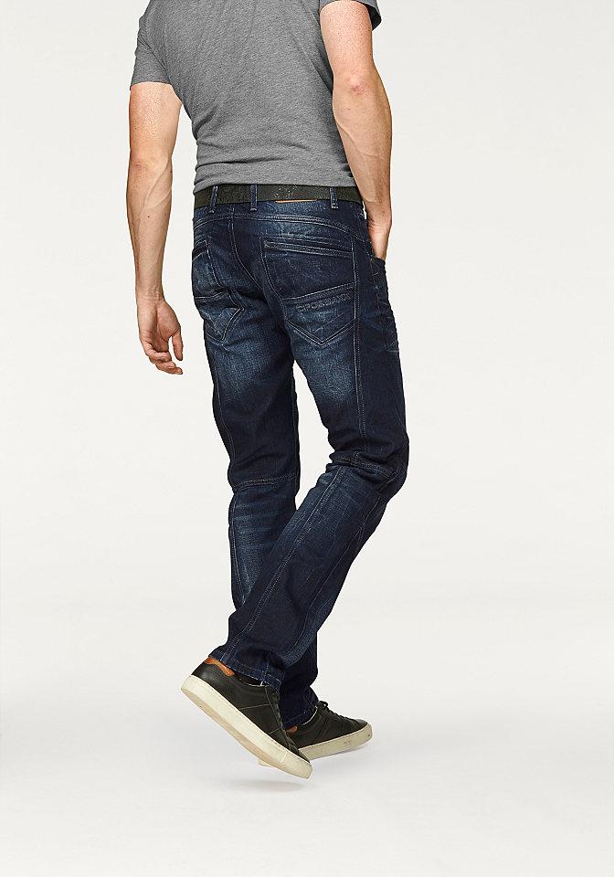 Джинсы OttoПрямой покрой штанин<br>Марка Cipo &amp; Baxx представила мужские джинсы Cipo &amp; Baxx, которые подчеркнут ваш стиль. Модная строчка и протертости идеально подходят для кэжуального образа. Заниженные карманы, пуговица, вышивка в виде логотипа сзади, заниженный пояс, приятный хлопковый деним. Ширина брючин внизу составляет примерно 41 см (разм. 34).<br><br>Size DE: 34<br>Colour: синий<br>Gender: Мужской<br>Age: Взрослый<br>Material: Верх: 100% хлопок