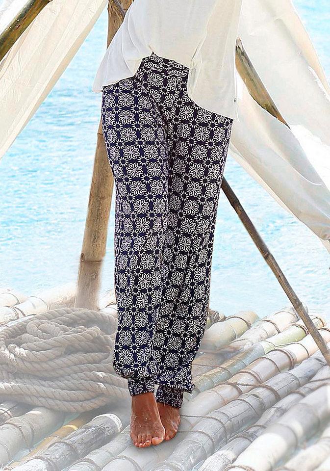 Пляжные брюки OttoБрюки и шорты<br>Женские брюки для пляжа представляет марка s.Oliver. Пестрый мотив делает каждый экземпляр неповторимым. Свободный фасон на резинке в поясе и на брючинах внизу не стесняет движений. Нежная ткань из 100% вискозы подарит приятную прохладу. Настоящий маст-хэв для летнего отпуска! Длина брючин по внутреннему шву примерно 80 см.<br><br>Size DE: 42<br>Colour: разноцветный<br>Gender: Женский<br>Age: Взрослый<br>Material: Верх: 100% вискоза