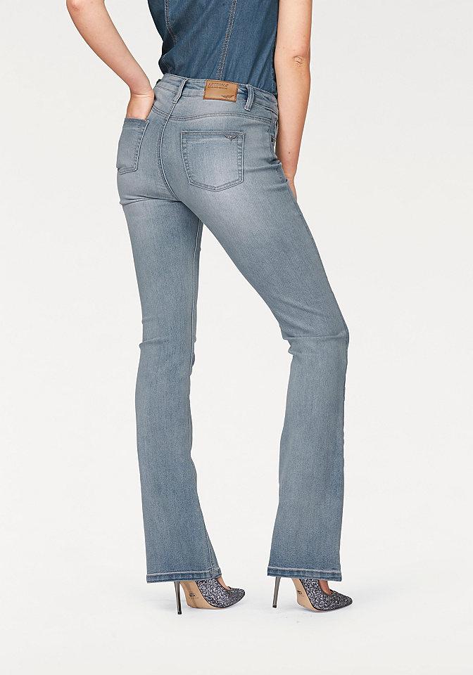 Джинсы клеш OttoПокрой Bootcut<br>Расклешенные джинсы с завышенной талией - хит сезона! Такой фасон зрительно делает фигуру более стройной. Эластичный материал не сковывает движения. Классические 5 карманов и прострочка гармонично дополняют немного потертую расцветку. Комбинируйте джинсы с верхом узкого кроя, и стильный повседневный комплект готов! Длина по внутреннему шву ок. 83,5 см (размер 38).<br><br>Size DE: 22<br>Colour: синий<br>Gender: Женский<br>Age: Взрослый<br>Material: Верх: 79% хлопок / 19% полиэстер / 2% эластан