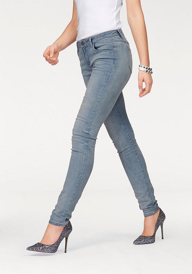 Джинсы-дудочки OttoДжинсы «дудочки»<br>Женские джинсы-скинни от марки Arizona - маст-хэв для вашего гардероба! Узкие брюки с заниженным поясом отлично сидят благодаря материалу-стрейч. Привычные 5 карманов, складки спереди и немного потертая расцветка подчеркивают непринужденность модели. С топом для лета или с пуловером зимой - носите джинсы в любое время года с любыми кофточками на ваш вкус! Длина по внутреннему шву для размера 19 ок. 74,5 см, для размера 76 ок. 86,5 см.<br><br>Size DE: 17<br>Colour: синий<br>Gender: Женский<br>Age: Взрослый<br>Material: Верх: 92% хлопок / 6% полиэстер / 2% эластан