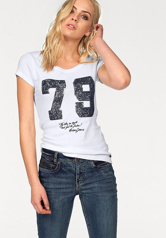 Кофточка OttoФутболки<br>В кофточке от Arizona гармонично переплелись несколько популярных молодежных трендов. Она выполнена из потертого материала с контрастной отстрочкой, ее украшают цифры, придающие модели спортивную нотку. И, наконец, гламурный лоск футболке обеспечивают блестящие пайетки - ни одна модница не сможет устоять. Покрой по фигуре дополнен круглым вырезом и короткими рукавами - лучшая модель на каждый день. Носите кофточку с юбками, джинсами или брюками - она легко впишется в любой стиль!<br><br>Size DE: 40<br>Colour: белый<br>Gender: Женский<br>Age: Взрослый<br>Material: Верх: 100% хлопок