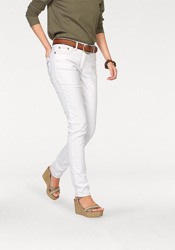 Джинсы-дудочки OttoДжинсы «дудочки»<br>Узкие женские джинсы Cheer из светлого стрейчевого денима - летний маст-хэв. Яркая строчка и вышивка на задних карманах - для модного акцента. Заниженный пояс (на пуговице и молнии) отлично сидит. Мягкий, эластичный материал приятен к телу. Покрой подчеркивает фигуру. 5 карманов для наибольшей практичности. Длина по внутреннему шву примерно 79,5 см, внизу ок. 31 см (разм. 36).<br><br>Size DE: 38<br>Colour: белый<br>Gender: Женский<br>Age: Взрослый<br>Material: Верх: 98% хлопок / 2% эластан