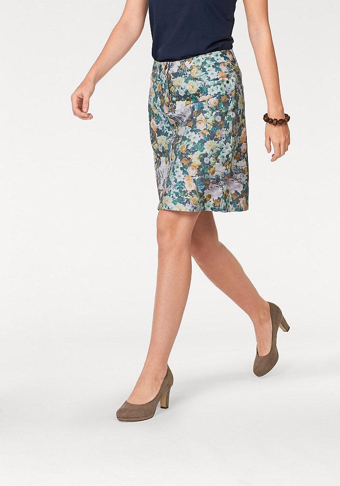 Юбка OttoЮбки<br>Женская юбка в цветочек от Cheer создаст летнее настроение. Множество карманов (втачные по бокам и накладные сзади), петли для ремня, разрез сзади, удобные пуговицы и молния отвечают за практичность. Хлопковый стрейч и стандартная высота талии гарантируют прекрасную посадку по фигуре. Фасон отлично подчеркнет силуэт. Длина составляет примерно 50 см (разм. 36).<br><br>Size DE: 46<br>Colour: белый<br>Gender: Женский<br>Age: Взрослый<br>Material: Верх: 65% хлопок / 33% полиэстер / 2% эластан