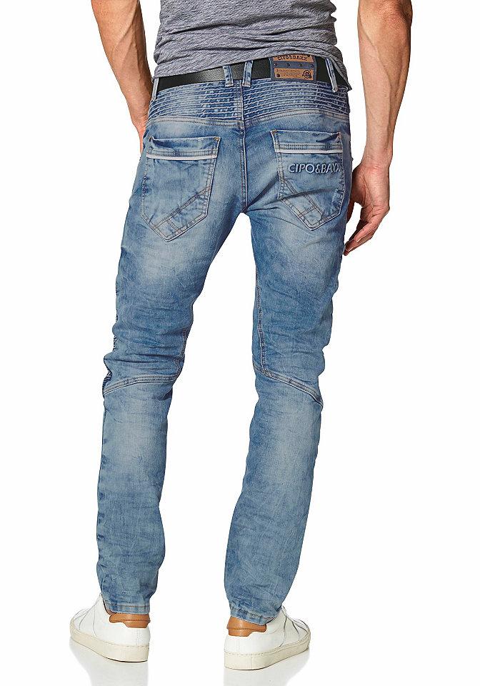 Джинсы OttoУзкий покрой штанин<br>Мужские джинсы Cipo&amp;Baxx созданы для поклонников кэжуального стиля. Необычный широкий пояс создает эффект многослойности. Оригинальные петли для ремня, низко посаженные карманы (задние с логотипом), полоски сзади и на бедрах, потертости, складки придают индивидуальность. Низкая талия, узкий крой и отстрочка позаботятся об отличной посадке по фигуре. Застегиваются на планку с пуговицами. Материал приятен к телу. Ширина внизу составляет примерно 39 см (разм. 34).<br><br>Size DE: 34<br>Colour: синий<br>Gender: Мужской<br>Age: Взрослый<br>Material: Верх: 98.50% хлопок / 1.50% эластан