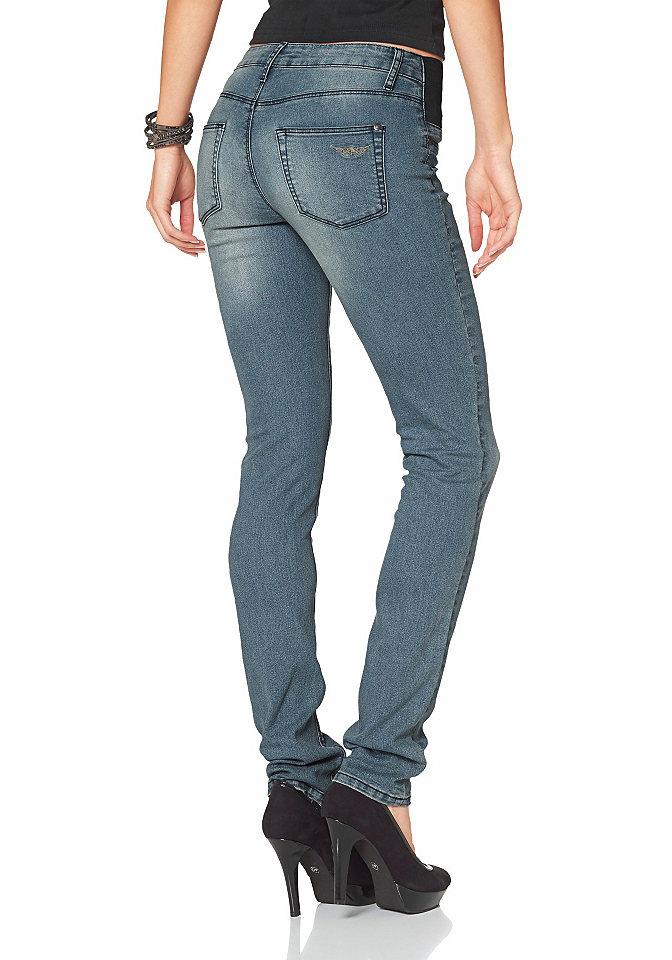 Джинсы-дудочки OttoДжинсы «дудочки»<br>Модные и очень удобные джинсы-дудочки от Arizona - маст-хэв для вашего гардероба! Благодаря удобному крою и эластичному хлопку брюки отлично сидят и не сковывают движения. Вставки-стрейч на поясе обеспечивают дополнительный комфорт. Эффект потертости подчеркивает непринужденность модели. Дудочки от марки Arizona - трендовая классика для продвинутой модницы! Детали: декоративные карманы спереди, накладные карманы сзади, пояс с петлями для ремня, заниженная линия талии. Длина по внутреннему шву для размера 38 ок. 81,5 см.<br><br>Size DE: 40<br>Colour: синий<br>Gender: Женский<br>Age: Взрослый<br>Material: Верх: 79% хлопок / 19% полиэстер / 2% эластан
