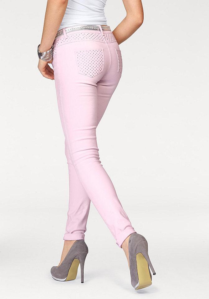 Джинсы OttoДжинсы «дудочки»<br>В тренде цветной деним, поэтому всем модницам советуем купить женские джинсы скинни от Melrose! Облегающий покрой подчеркивает фигуру. На заниженной талии притачной пояс с петлями для ремня. Модель с 5-ю карманами декорирована стразами на поясе и карманах сзади. Застегиваются брюки на молнию и пуговицу. Такие джинсы отлично подойдут как на каждый день, так и для вечеринки. Создавайте яркие образы на ваш вкус! Длина по внутреннему шву для размера 38 ок. 81,5 см.<br><br>Size DE: 36<br>Colour: фиолетовый<br>Gender: Женский<br>Age: Взрослый<br>Material: Верх: 98% хлопок / 2% эластан