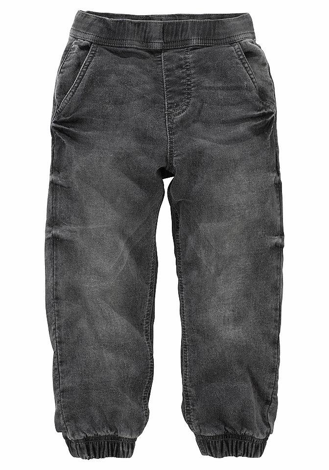 Джинсы OttoБрюки и джинсы<br>Джинсы Arizona для мальчика - незаменимая модель для комбинирования. Чесаная джинсовая ткань стрейч с хлопком имеет необычную расцветку варенка. Тянущийся пояс и эластичные края брючин позволяют без труда надевать эту модель. Боковые карманы, прямой крой, стандартная высота пояса создают комфорт. Джинсы от марки Arizona необходимы для разнообразного комбинирования. Материал: 89% хлопок, 10% полиэстер, 1% эластан.<br><br>Size DE: 146<br>Colour: черный<br>Gender: Мужской<br>Age: Детский<br>Material: Верх: 89% хлопок / 10% полиэстер / 1% эластан