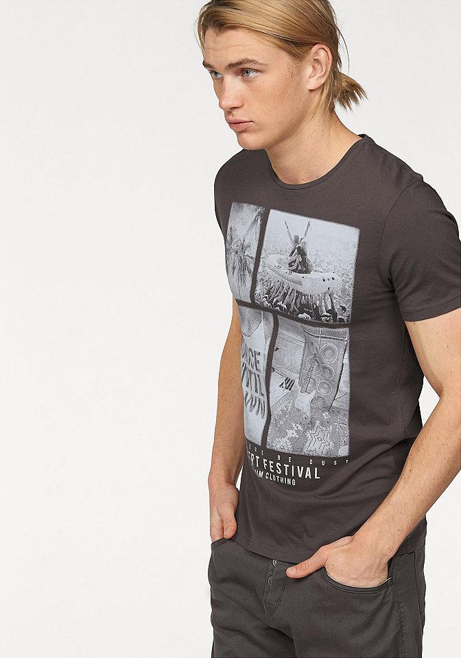 Футболка OttoУличная одежда<br>Хлопковая футболка для мужчин - must have для Вашего гардероба! Хотите купить такую? Советуем выбрать модель от Tom Tailor Denim в нашем интернет-магазине одежды. Классический фасон с круглым вырезом служит отличным фоном для стильного рисунка спереди, придающего образу динамичность. Удобный крой и натуральный хлопок обеспечат оптимальный комфорт. Благодаря простоте дизайна носить такую футболку можно с любыми шортами, джинсами и демократичными брюками на Ваш вкус!<br><br>Size DE: XXL<br>Colour: серый<br>Gender: Мужской<br>Age: Взрослый<br>Material: Верх: 100% хлопок