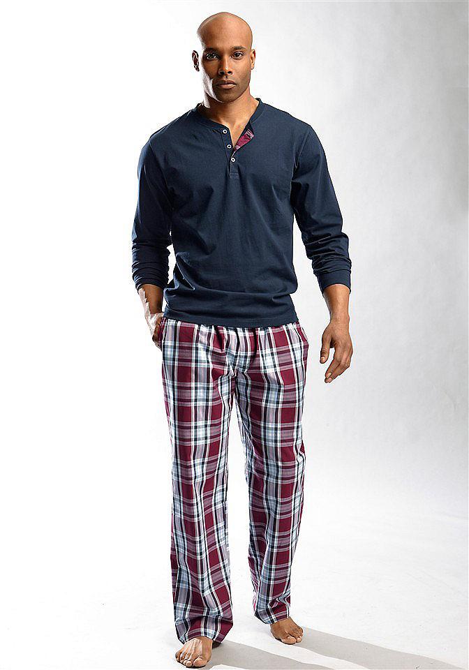 Длинная пижама OttoНочная одежда<br>Длинный покрой. Футболка с круглым вырезом и планкой застёжки на пуговицы. Тканые брюки в модную клетку, с боковыми втачными карманами. Брюки из рубашечной ткани, всё из 100 % хлопка.<br><br>Size DE: 60<br>Colour: синий<br>Gender: Мужской<br>Age: Взрослый<br>Material: Верх: 100% хлопок