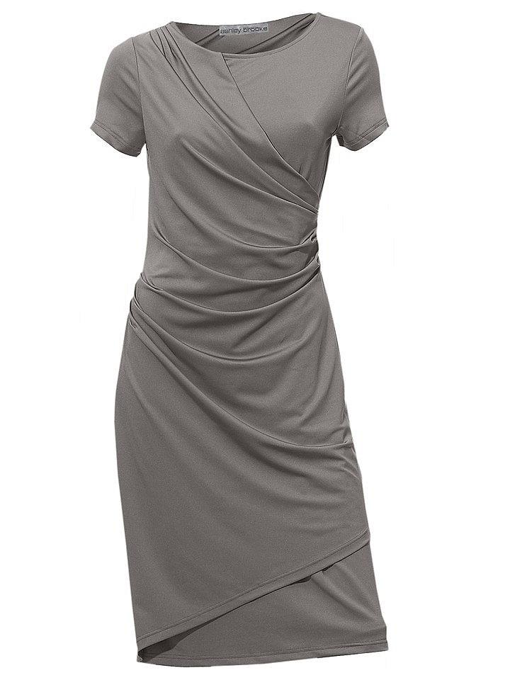 Платье OttoПлатья из джерси<br>Впечатляющий женственный стиль! Экстравагантный эффект «запаха» привлекает восторженные взгляды. Прекрасный покрой с круглым вырезом и короткими рукавами превосходно подчёркивает фигуру. Длина ок. 98 см. Материал джерси отличного качества из 95 % полиэстера, 5 % эластана. Подкладка из 100 % полиэстера. Машинная стирка.<br><br>Size DE: 38<br>Colour: серый<br>Gender: Женский<br>Age: Взрослый<br>Material: Подкладка: 100% полиэстер;Верх: 95% полиэстер / 5% эластан