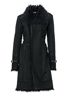 Kabát z imitace kožešiny