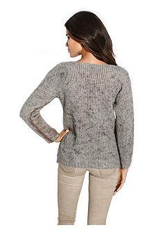 Nagylyukú kötött pulóver