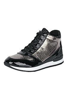 Magasszárú cipő