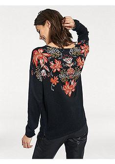 Nyomott mintás pulóver
