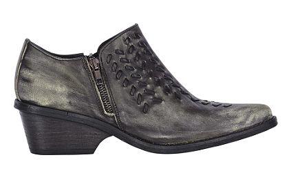 Magas szárú cipő
