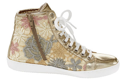 Fűzős magasszárú cipő