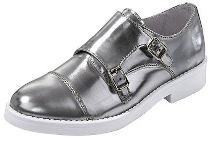Belebújós cipő