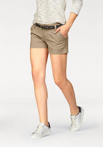 Krátke nohavice, AJC girls